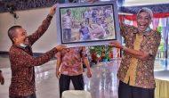 Permalink ke Ulang Tahun, Bupati Dapat Kejutan Dari Sekretaris Daerah Sintang